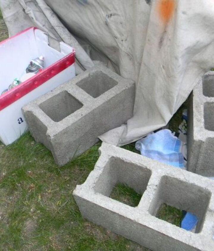 Plain cinder blocks ~ BORING!