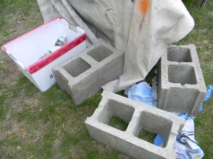 Plain cinder blocks ~ BORING!
