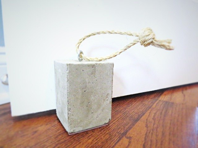 diy concrete door stop, concrete masonry, diy, doors, how to