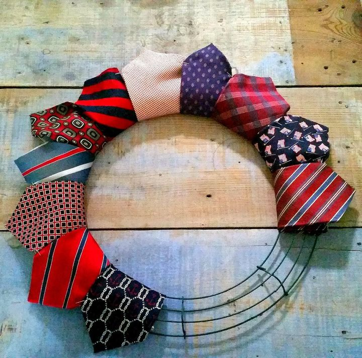 thrifted necktie patriotic wreath, crafts, how to, patriotic decor ideas, repurposing upcycling, seasonal holiday decor, wreaths