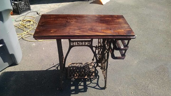 Upcycled old singer sewing machine hometalk upcycled old singer sewing machine painted furniture repurposing upcycling watchthetrailerfo