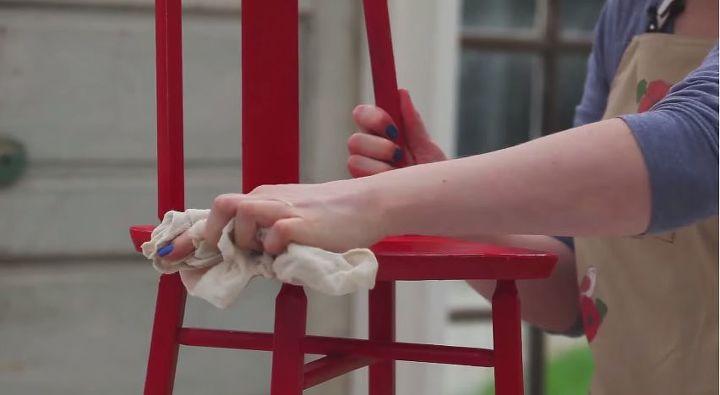 como pintar muebles sin lijar aplicacion de pintura a base de tiza, Paso 1 Preparar la superficie