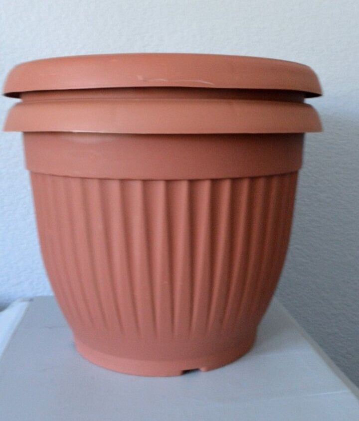 update those plastic dollar planters, chalk paint, container gardening, flowers, gardening