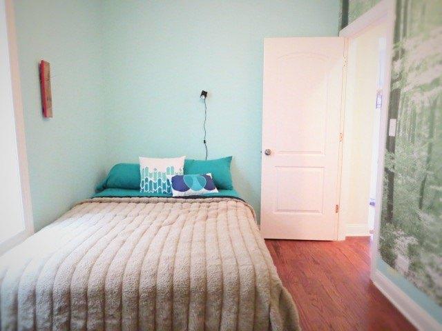 https://cdn-fastly.hometalk.com/media/2015/06/05/2880380/diy-a-sliding-barn-type-bedroom-door-bedroom-ideas-doors-how-to.jpg?size=634x922&nocrop=1
