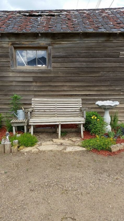 q suggestions for garden bench paint color, outdoor furniture, paint colors, painted furniture