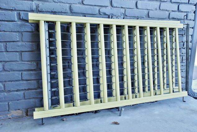 Repurposed Crib Frame To Bathroom Wall Decor Ideas Repurposing Upcycling Shabby Chic