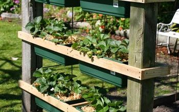 DIY Strawberry (or Herb) Planter With Measurements...