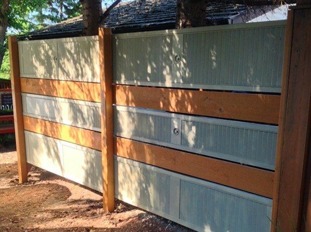 8 diy privacy screens for your outdoor areas hometalk for Hanging privacy screens for decks