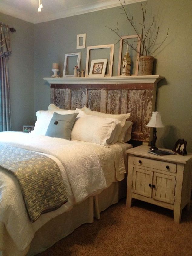 This headboard's new home.  The Decorator did a wonderful job with this color palette.  It looks so comfy!