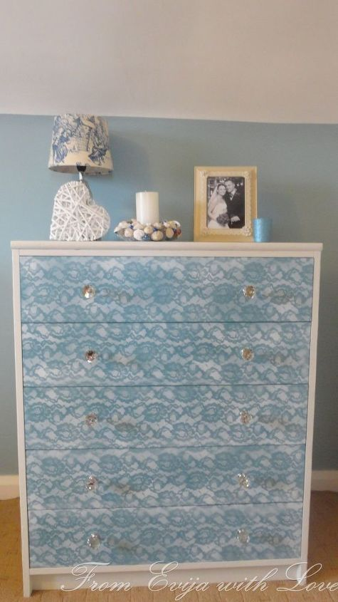 how to update an old piece of furniture using lace and spray paint, how to, painted furniture, repurposing upcycling