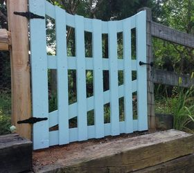 garden gate via pallet boards fences how