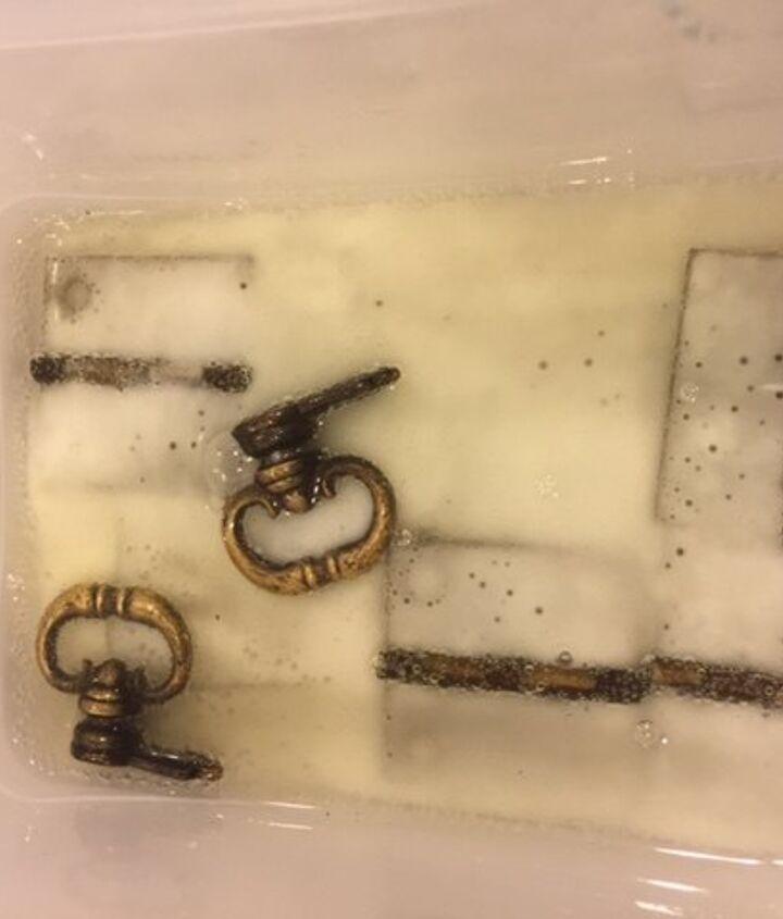 Brass soaking in vinegar/baking soda solution