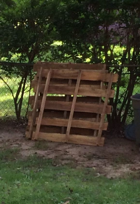 refurbished pallet to outdoor bench, how to, outdoor furniture, pallet, repurposing upcycling, Before the cutting apart