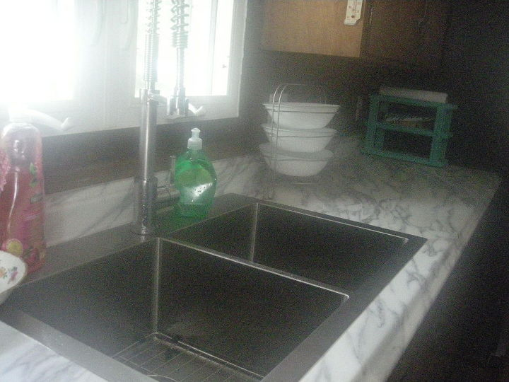 q color ideas for cabinets and panelling, kitchen cabinets, kitchen design, paint colors, painting, Close up of sink