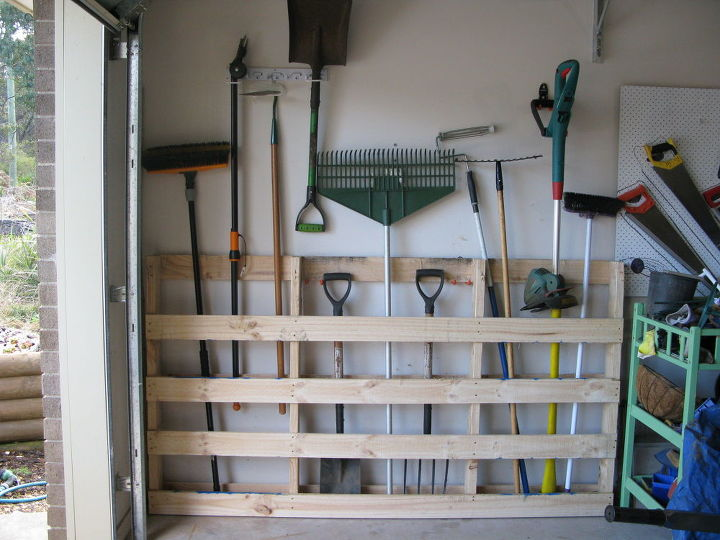 Garage Storage For Garden Tools From Old Pallet Garages Repurposing Upcycling