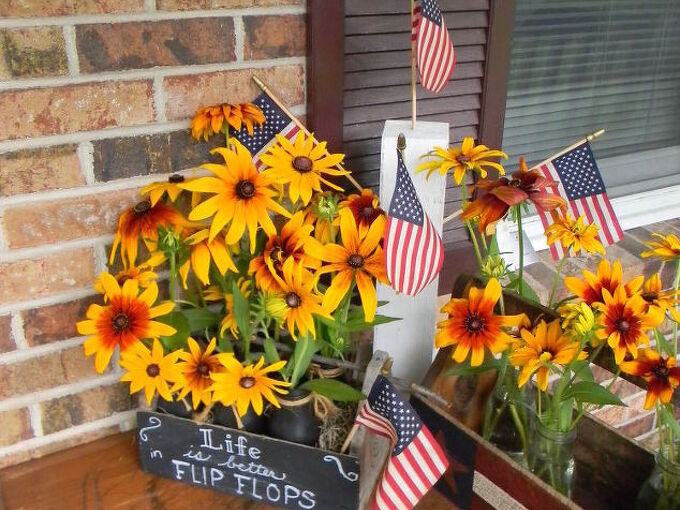 easy front porch flowers, chalkboard paint, container gardening, crafts, flowers, gardening, porches