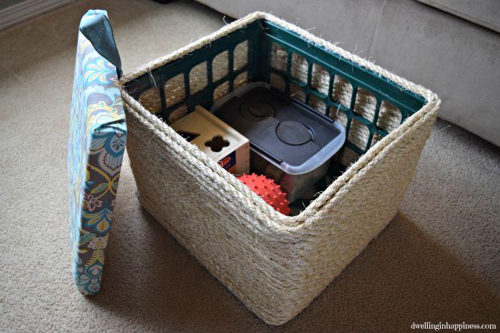 Diy sisal rope storage ottoman hometalk for Milk crate crafts