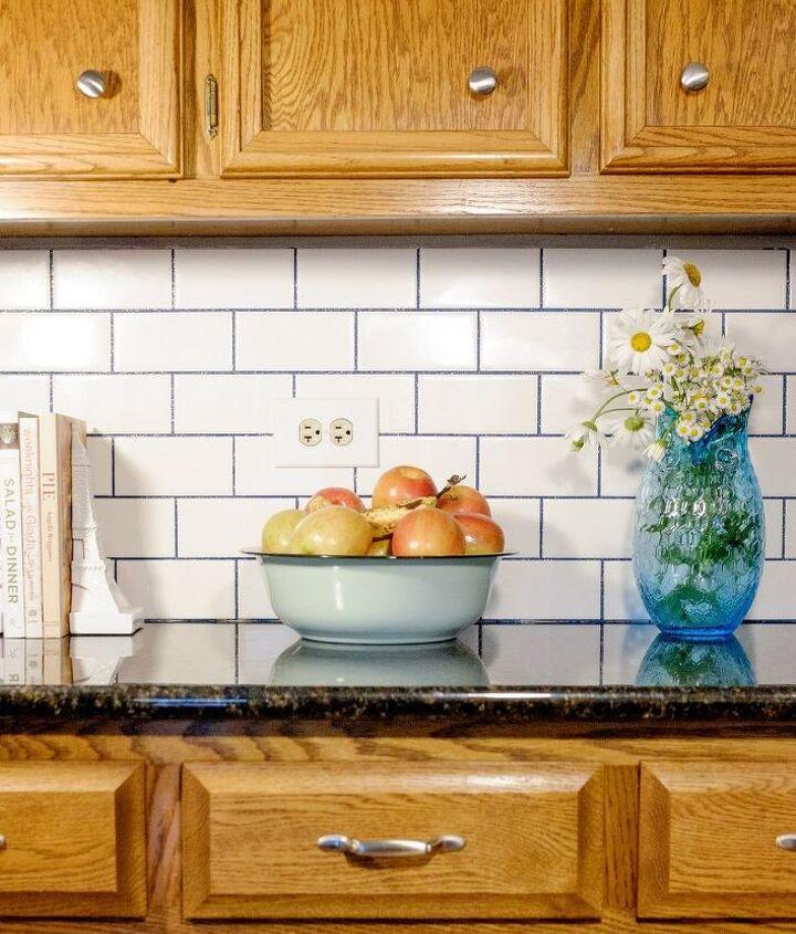subway tile with glamour grout backsplash, how to, kitchen backsplash, kitchen design, tiling