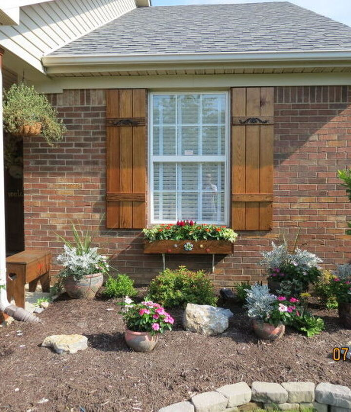 how to boost your curb appeal on a budget, curb appeal, gardening, how to, wreaths