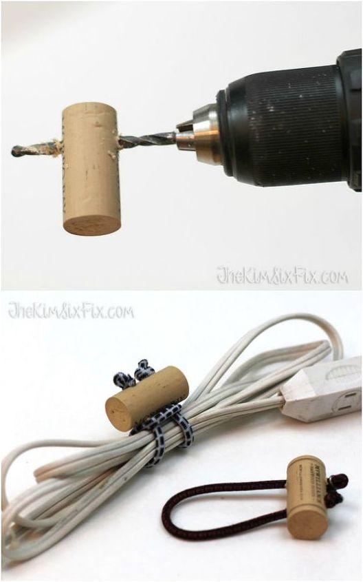 Project via Kim @[url=http://www.thekimsixfix.com/2015/02/bungee-and-wine-cork-cord-ties.html]Kim Six Fix[/url]