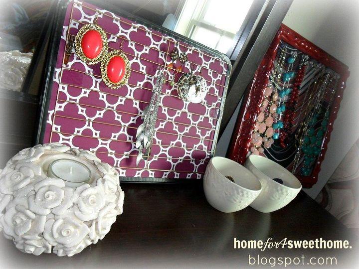 Photo via Rea @[url=http://www.homefor4sweethome.com/2013/09/diy-earring-holder.html]Home For 4 Sweet Home[/url]
