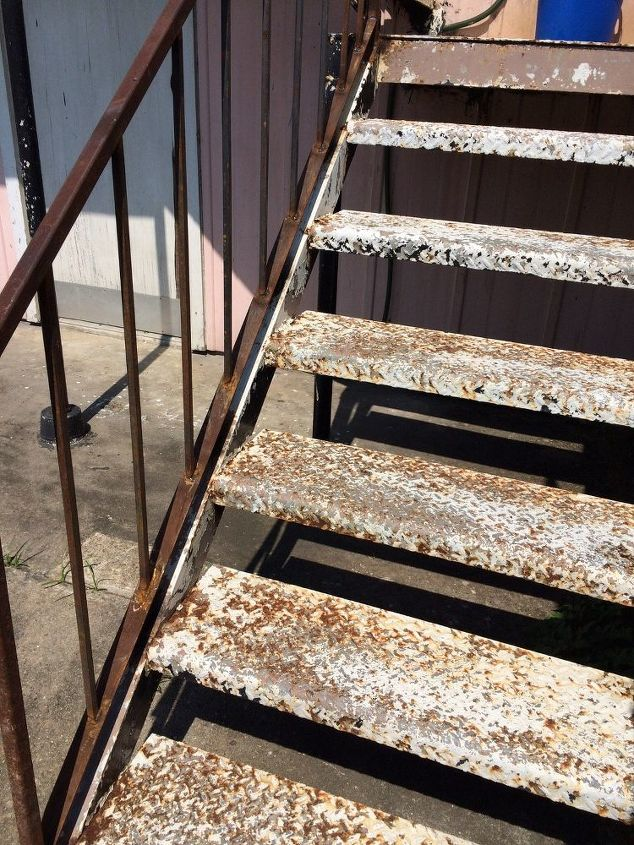 q how to remove rust off an iron stairwell, cleaning tips, Can t stand it