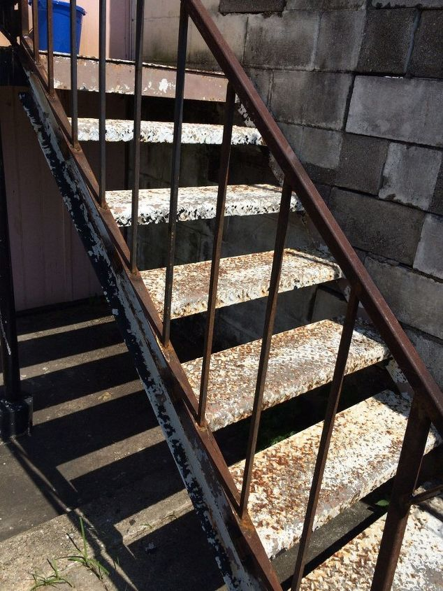 q how to remove rust off an iron stairwell, cleaning tips, There has to be an easy fix
