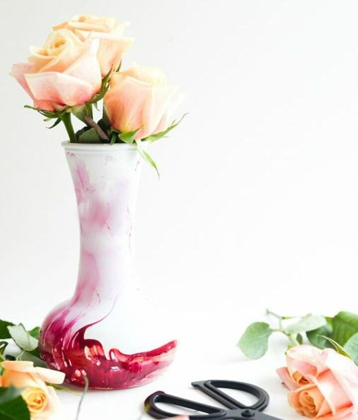 Project via Aniko @[url=http://placeofmytaste.com/2015/03/diy-nail-polish-marbled-vase.html]Place of My Taste[/url]