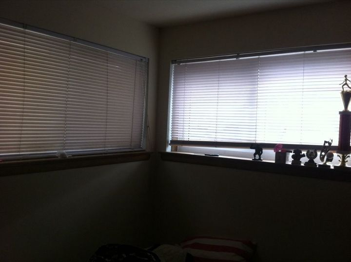 q putting curtains up in a rental, window treatments, windows, Can t put a tent ion rod here because the blind doesn t give space to have one placed