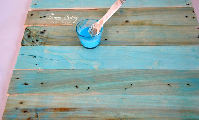 how to paint a wood photo backdrop with food coloring, crafts, how to, pallet