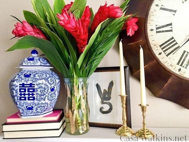 Project via Stephanie @[url=http://www.casawatkins.net/2015/07/diy-gold-leaf-vase-makeover.html]Casa Watkins[/url]