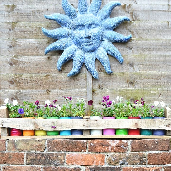 how to make colorful planters from cans in a wooden trough, gardening, how to, pallet, repurposing upcycling