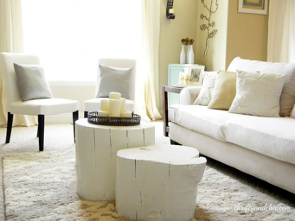 Photo via Alicia @[url=http://www.thriftyandchic.com/2011/06/wood-stump-coffee-table.html]Thrifty & Chic[/url]