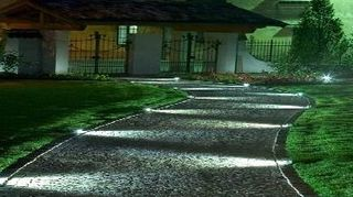 , Lighting idea for an inviting pathway