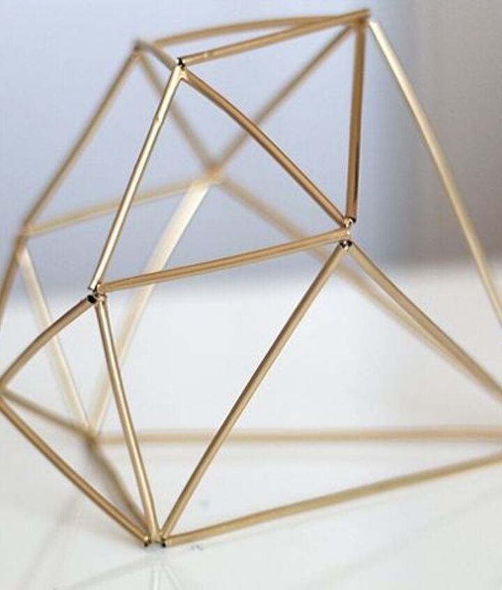 how to make a triangular pyramid out of straws