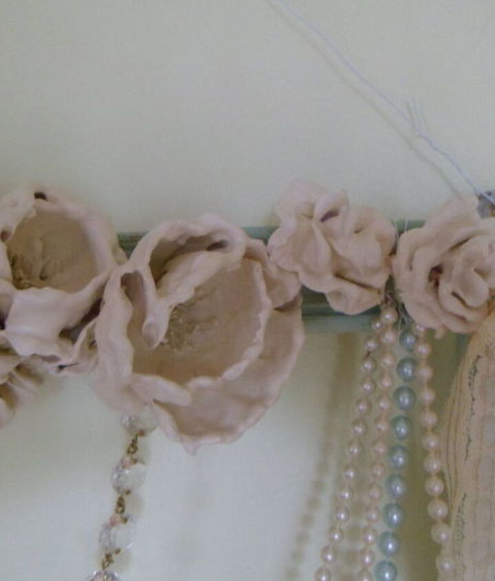 plaster of paris flowers and a wreath, chalk paint, crafts, repurposing upcycling, wreaths