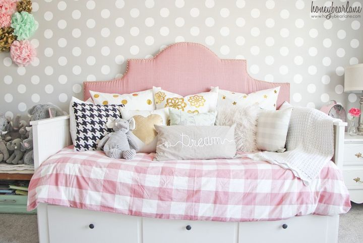 Pink and gray little girl 39 s room hometalk for Little girl room color ideas