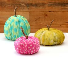 instant toilet paper pumpkins, crafts, halloween decorations, repurposing upcycling, seasonal holiday decor