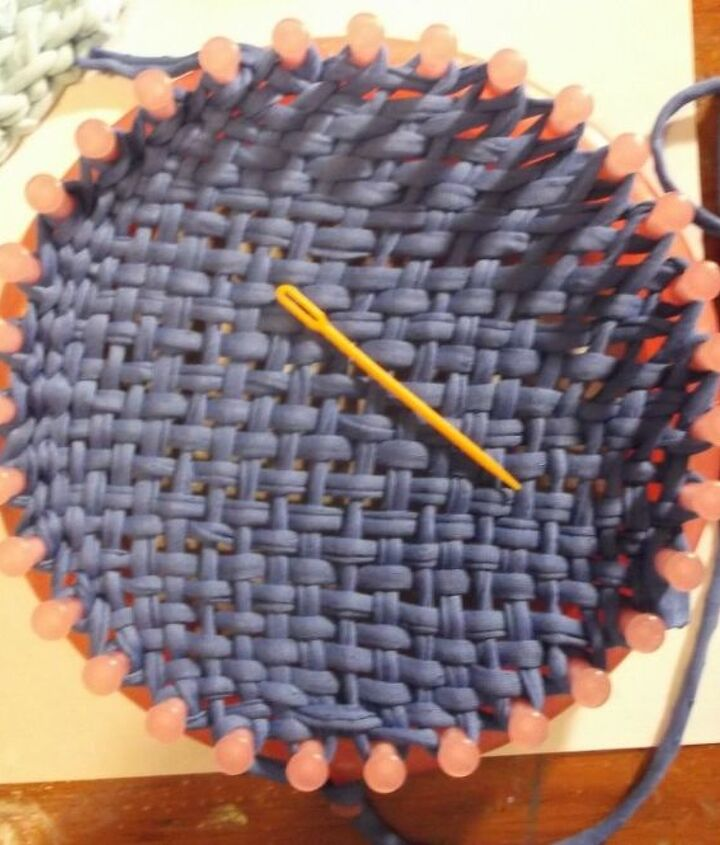 Weave the bottom with a knitting loom