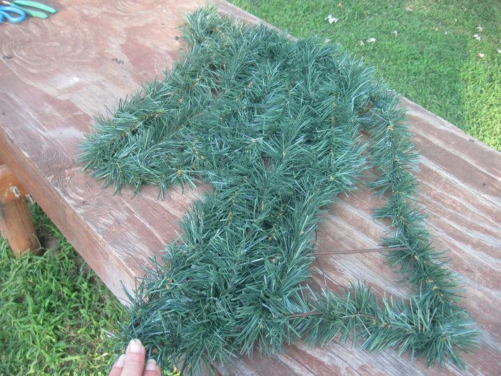 horse head christmas wreath, crafts, seasonal holiday decor, wreaths