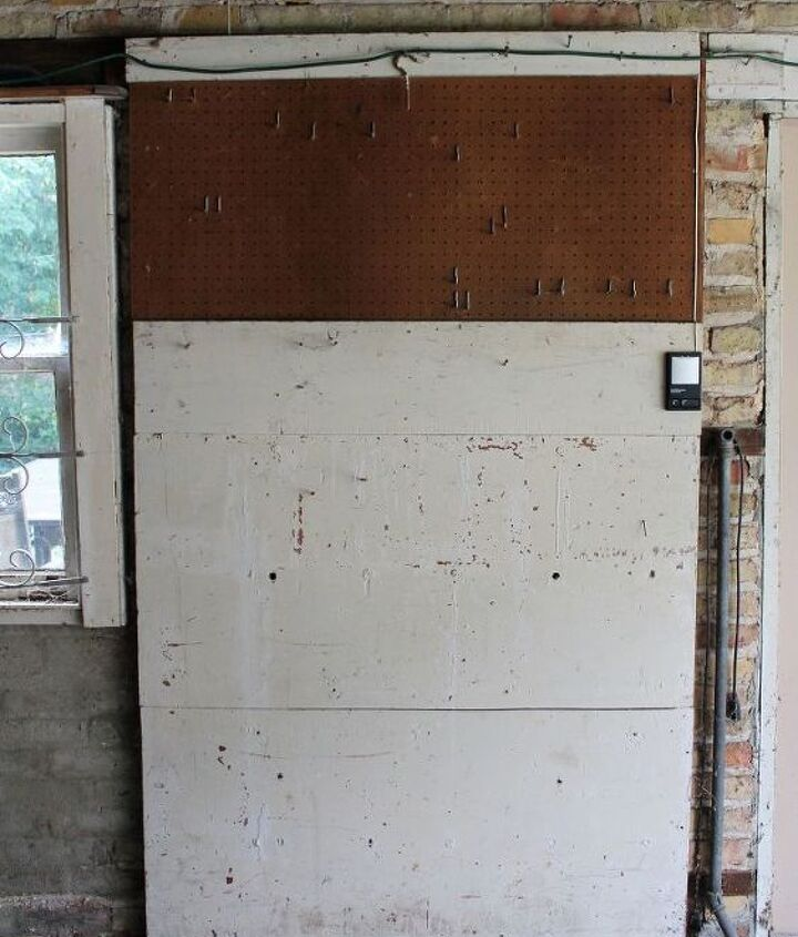 pegboard creation station, chalkboard paint, crafts, garages, organizing