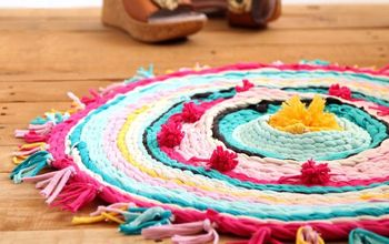 Old T-shirt Rug on a Hula Hoop Loom