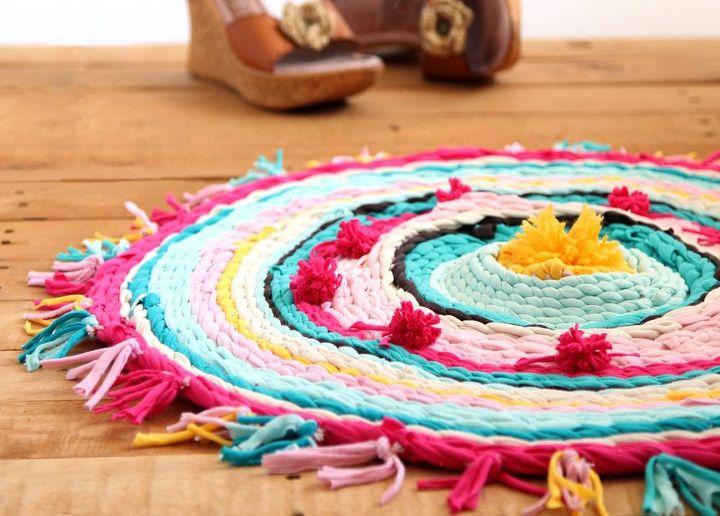 old t shirt rug on a hula hoop loom hometalk