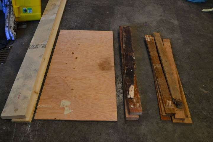 diy pallet coffee table, diy, living room ideas, painted furniture, pallet, repurposing upcycling