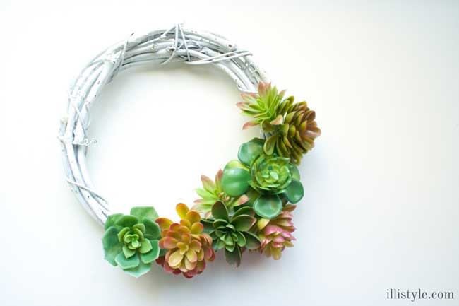diy faux succulent wreath, crafts, seasonal holiday decor, succulents, wreaths