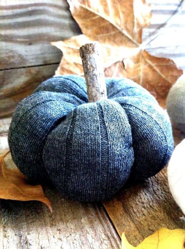 diy sock pumpkins, crafts, halloween decorations, repurposing upcycling, seasonal holiday decor