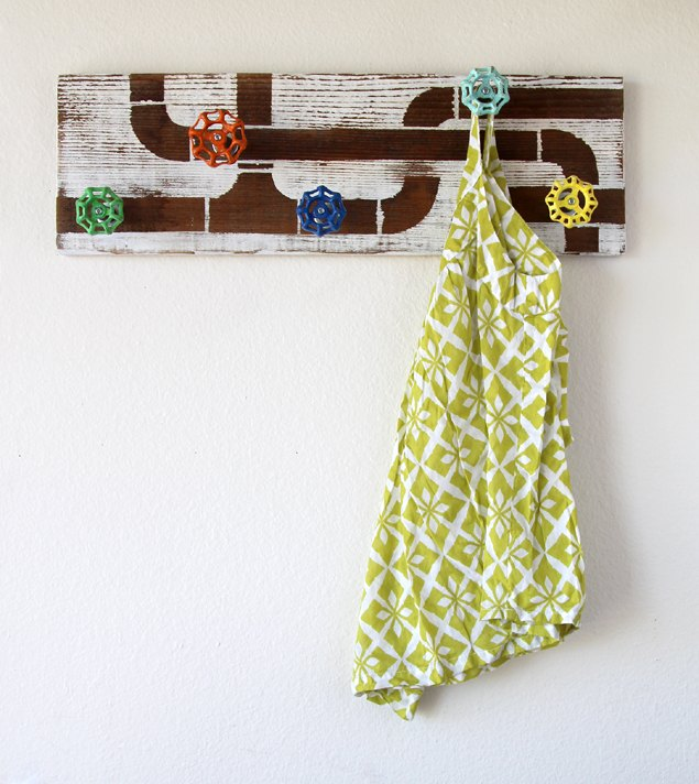 old faucet handle coat rack, diy, repurposing upcycling, wall decor