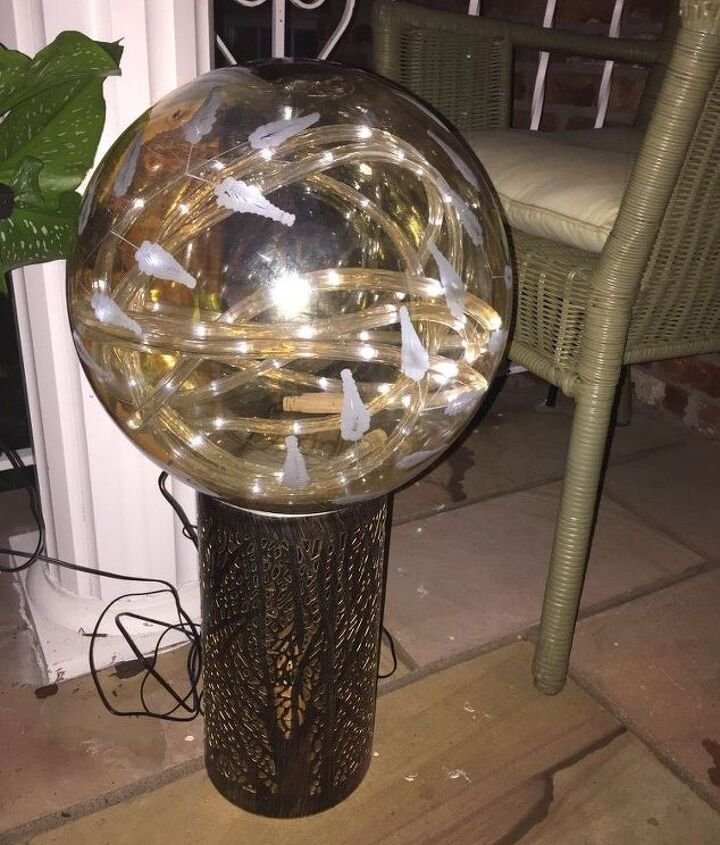 Outdoor or indoor solar globe lamp.