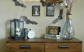 Inexpensive DIY Halloween Gallery Wall With DIY Spooky Mirror