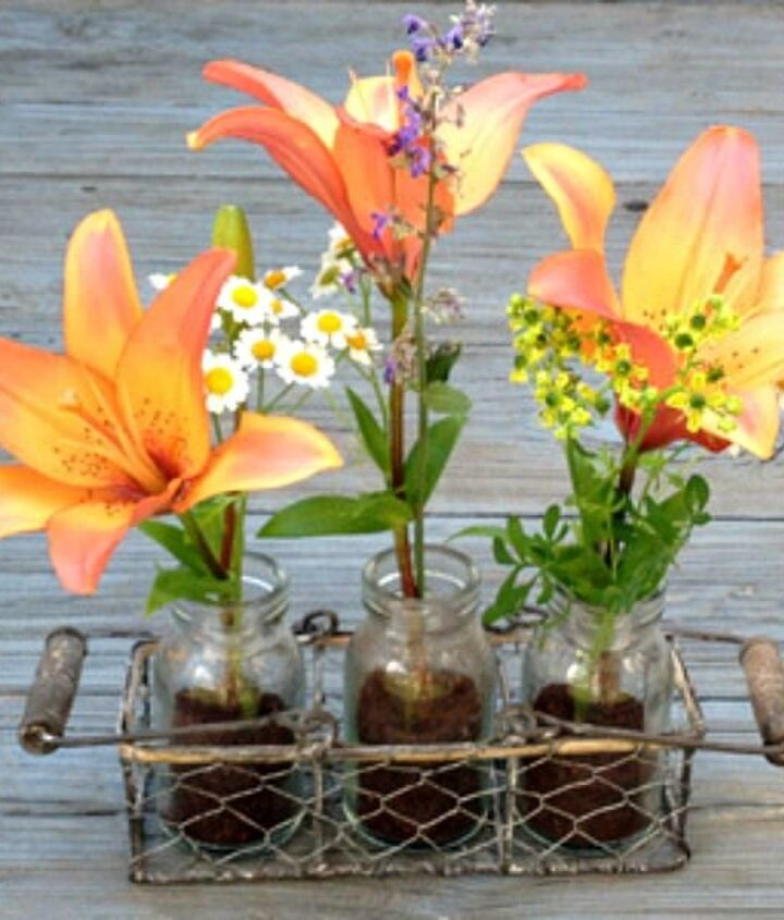 s 15 brilliant ways to use all of your coffee leftovers, cleaning tips, composting, container gardening, crafts, repurposing upcycling, Mason Jar Centerpiece